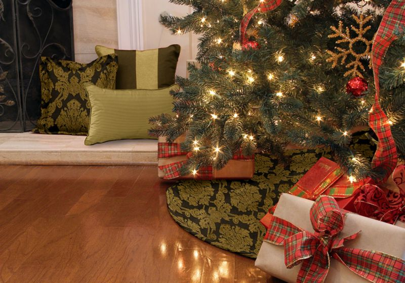 Gilded Holiday collection from Cushion Source's Christmas decorating collection