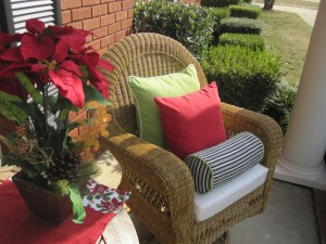 Easy Tips for a Christmas Holiday Front Porch