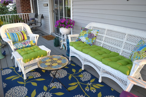 emerald green outdoor seating