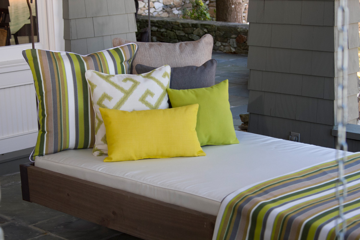 cushionsource_porchbed