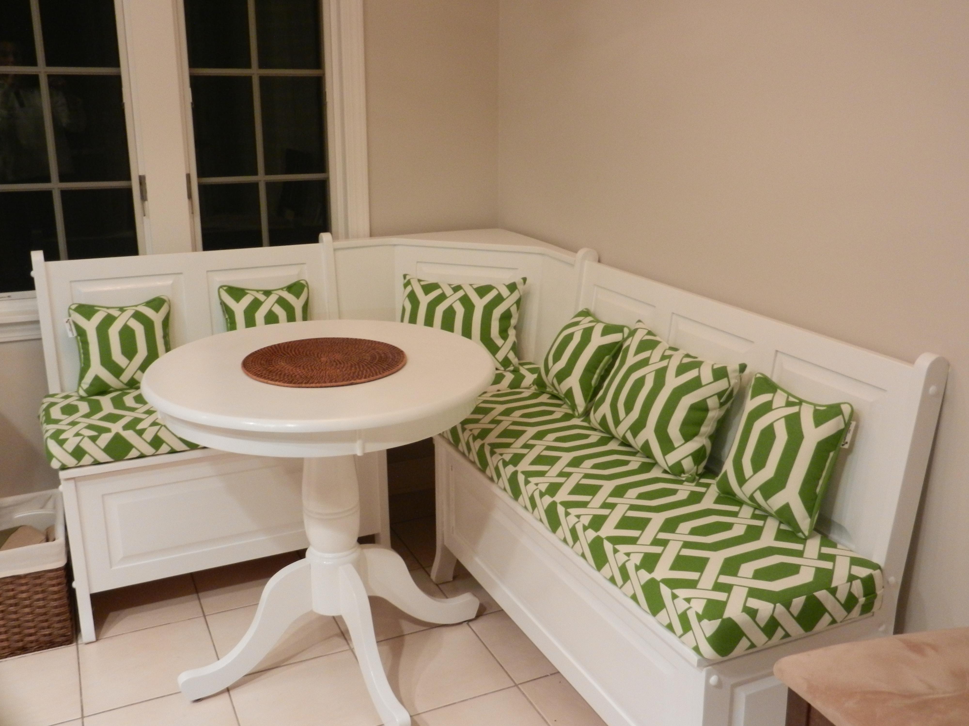 bench-breakfast-nook-cushion-source