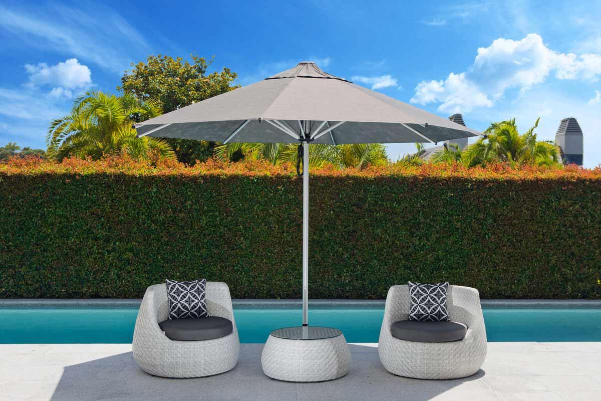 Poolside Seating